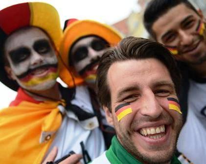fans-deutschland © PATRIK STOLLARZ / AFP