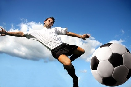 Fussball Volley - (c) fotolia - olly