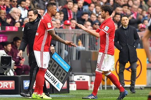 Jerome Boateng & Javi Martinez - Frank Hoermann / dpa Picture Alliance / picturedesk.com - 20170311_PD12882 (RM)