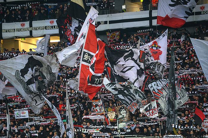 20170228_PD7315 Jubel Fans Eintracht Frankfurt © Andreas Arnold / dpa / picturedesk.com
