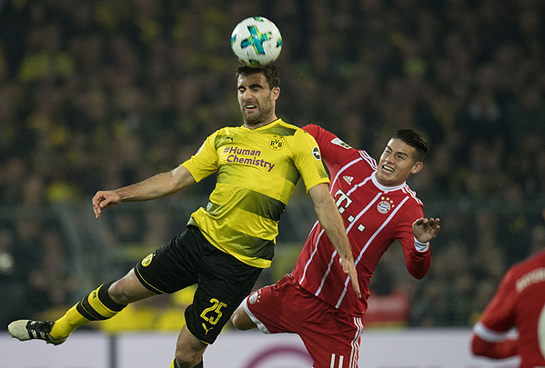 20171104_PD5087 (RM) Sokratis BVB Rodriguez FC Bayern © Ina Fassbender / dpa / picturedesk.com