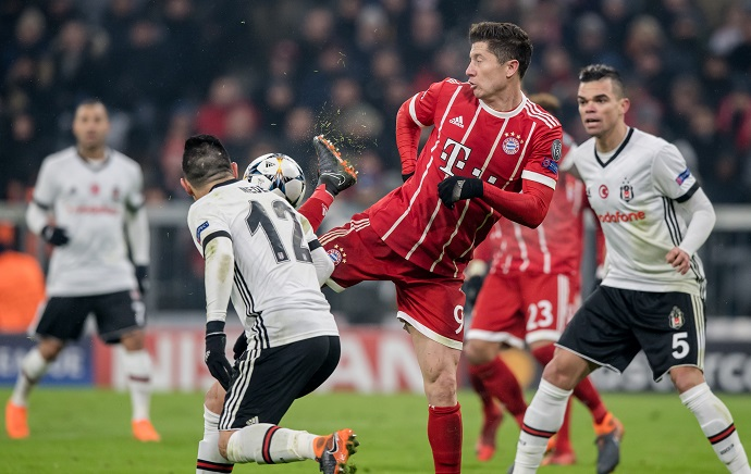 Robert Lewandowski vs Besiktas - © Thomas Eisenhuth / dpa / picturedesk.com