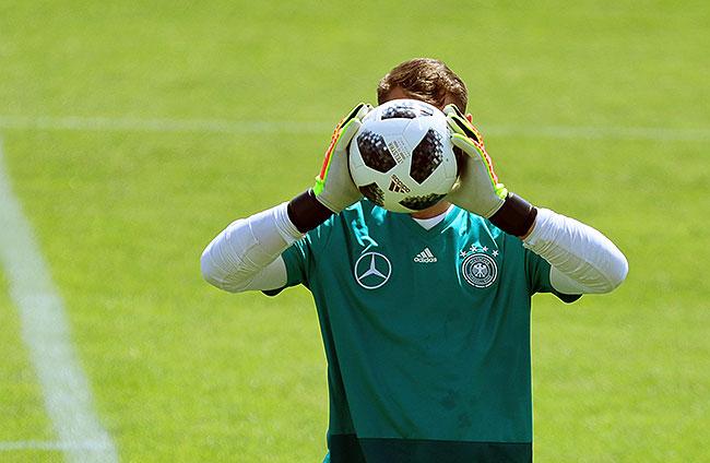 20180528_PD0869 (RM) Bild von Manuel Neuer Deutschland © Christian Charisius / dpa / picturedesk.com