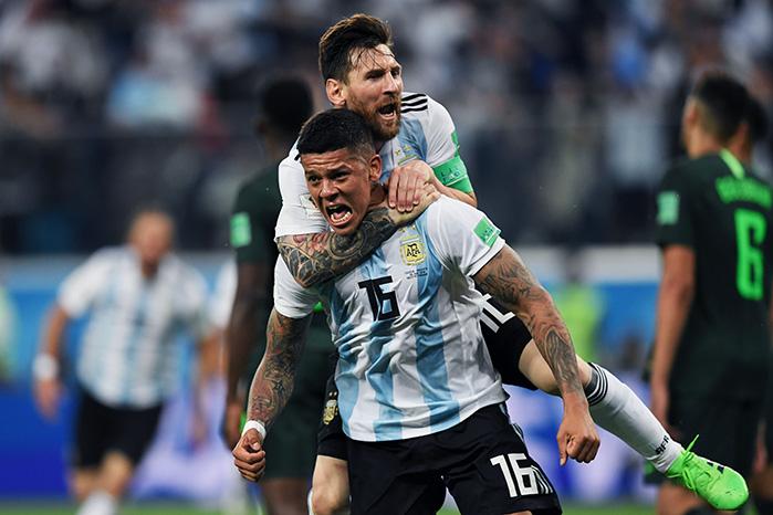 Rojo und Messi vs Nigeria © GABRIEL BOUYS / AFP / picturedesk.com